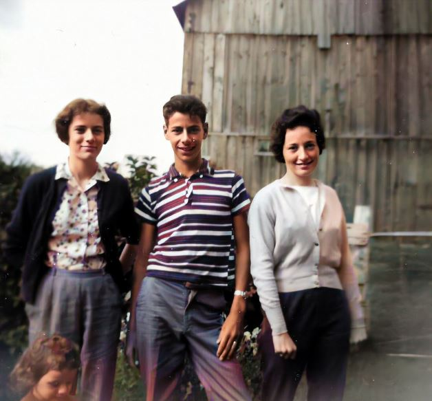 Jackie Ron Judy Arlene in front of the barn 1951