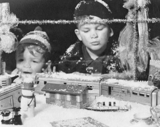 kids Christmas store window