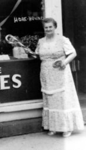 Sophia Nee candy cane