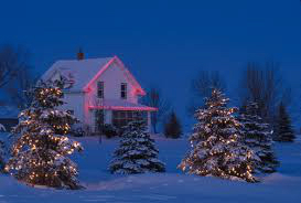 farmhouse-christmas-lights-1