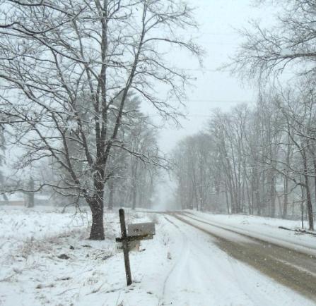 mailbox-snow-2