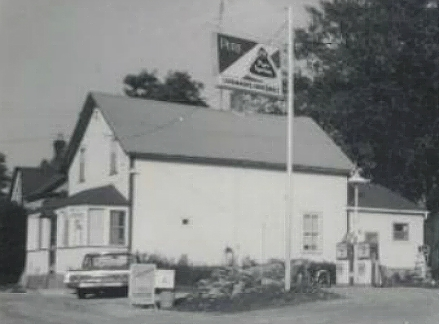 cavanaghs-store-black-and-white-without-garage