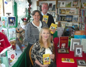 Mill St Books Arlene with Mary & Terry Lumsden Nov 16  20130001