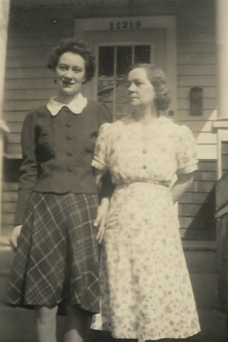 Audry Rutherford and her mother Dorothy Woolsey Rutherford