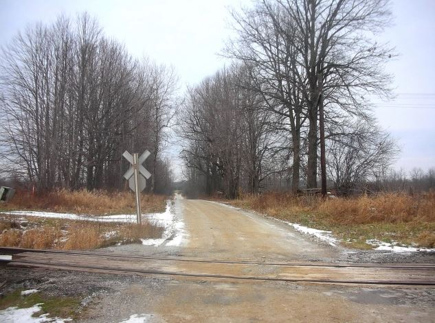 tracks back the side road