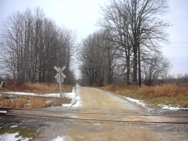 Tracks back the side road0001