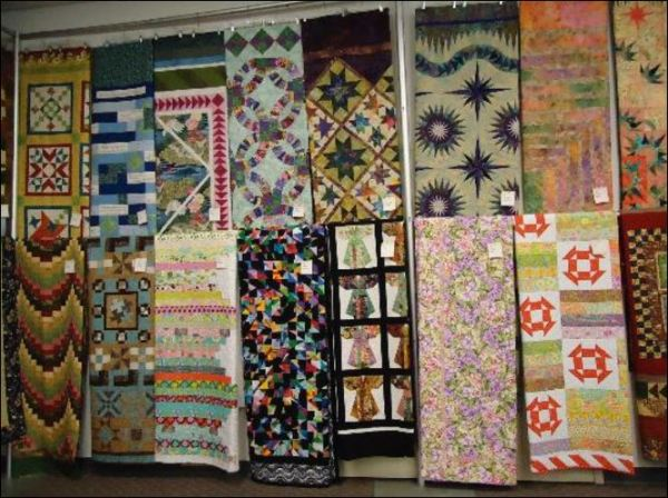 Fair quilt display