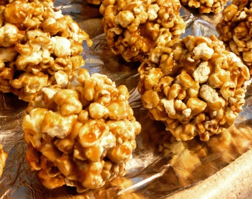 caramel-popcorn-ball-after