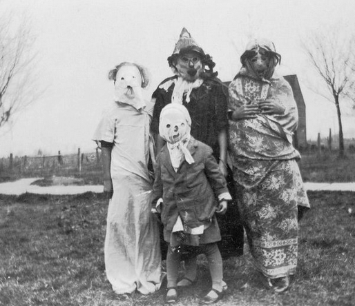 costume-4