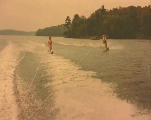 JoAnne waterskiing