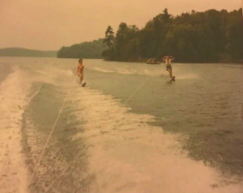 JoAnne waterskiing