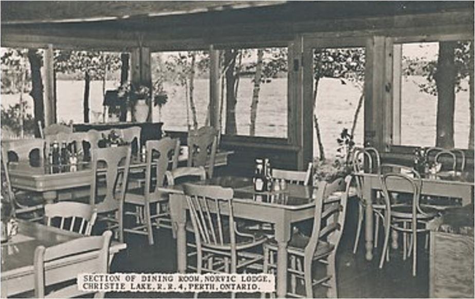 Norvic Lodge dining room